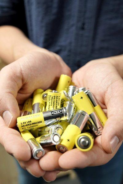 IKEA će do 2021. iz prodaje ukloniti alkalne baterije koje se ne mogu puniti