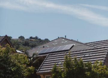 vivint-solar-ZEiFiOsV3K4-unsplash (1)