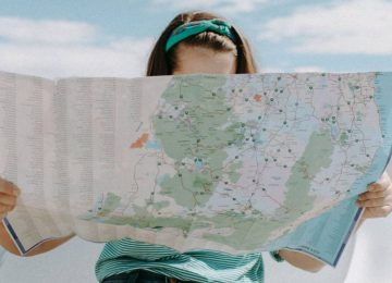 woman-looking-at-the-map-3935702-1536x1024-1-1